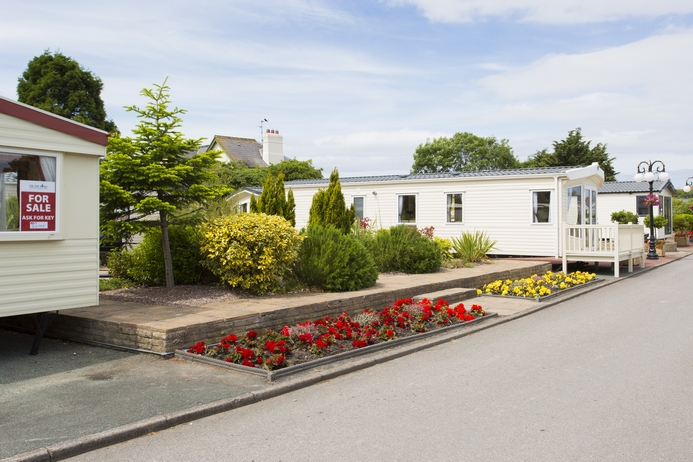 Cheap caravan holidays in wales 2016 deals for Cheap holiday cottages uk